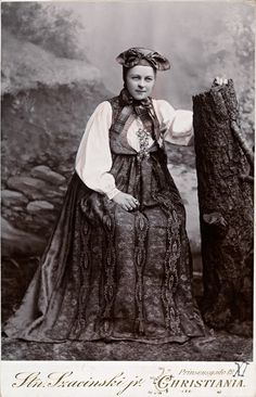 Bunad fra Eggedal by National Library of Norway, Antique Photos, Vintage Photographs, Vintage Photos, Old Pictures, Old Photos, History Of Norway, Folk Costume, Costumes, Norwegian People