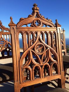 Gothic carved, ornate Italian wood dining table and 6 carved chairs - c. 1890 #Gothic #Italy