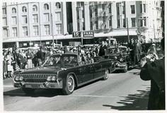 1963-11-22: Earlier in the motorcade.