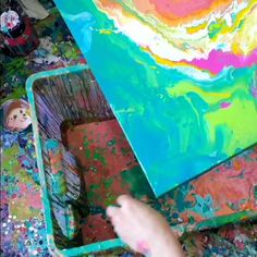 Timelapse video of a fluid art painting by Louise Mead. #fluidart #fluidpainting