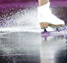 Ice Skating, Figure Skating, Figure Ice Skates, Skate 3, Story Prompts, Figure It Out, Falling Down, Get Up, Photo Ideas