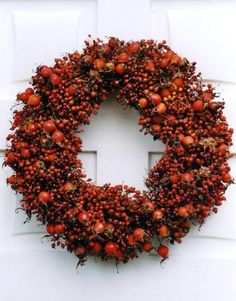 Large rosehip wreath