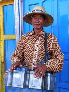 Indonesia, Terakan - Dockside Vendor