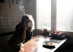 Lost in America - Lucile Perron Astrology Tumblr, Cigarette Aesthetic, Tumbrl Girls, A Well Traveled Woman, Coffee And Cigarettes, Heavy Heart, Foto Pose, Golden Hour, We Heart It