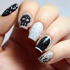 Black and White nails #nails #skull #sparkle