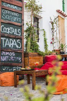 S'Escalinata, Ibiza bar & café - White Ibiza. Photography by Sofia Gomez Fonzo