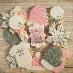 12 Baby It's Cold Outside Sugar Cookies – Winter Baby Girl Shower – Baby It's Cold Outside Shower – Winter Baby Sugar Cookies - Baby Shower Decor Baby Shower Niño, Baby Shower Dresses, Girl Shower, Baby Shower Themes, Baby Shower Decorations, Shower Centerpieces, Snowflake Baby Shower, Christmas Baby Shower, Baby Shower Winter