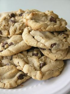 Here's a quick recipe for some chewy and totally delicious peanut butter chocolate chip cookies. I do not have a clue where the recipe originated from, it's just one that's been in my recipe stash forever. Just Desserts, Delicious Desserts, Yummy Food, Tasty, Sweet Cookies, Yummy Cookies, Sweet Treats, Chip Cookie Recipe, Cookie Recipes