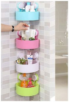Awesome 33 DIY Home Decor Dollar Store Ideas Perfect For Beginners source : – Decoration Small Bathroom Organization, Diy Organization, Bathroom Storage, Bathroom Ideas, Teen Bathroom Decor, Bathroom Vanities, Bathroom Designs, Bathrooms Decor, Shower Storage