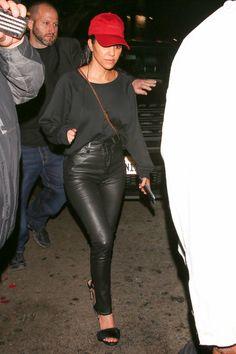 Kourtney Kardashian quitte le Warwick à Los Angeles, le 23 mars ...