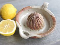 CERAMIC LEMON SQUEEZER useful orange squeezer in ceramic juicer stoneware kitchen accessory cream color