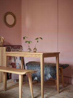 pared pintada en rosa melocotón