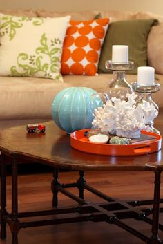 pillows and table colors...the toy truck seems to fit too!