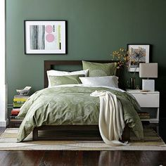 The small master bedroom design is something that numerous individuals consider. It is on the grounds that they need to have the best impression from their master bedroom. Small Master Bedroom, Master Bedroom Design, Master Bedrooms, Bedroom Color Schemes, Bedroom Paint Colors, Colour Schemes, Colour Palettes, Wall Colors, Green Wall Color