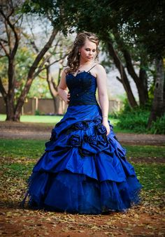 Geraldene's Matric Dance (prom, high school, matric farewell, senior year, royal blue gown with black lace) - photo by Anneli Strecker