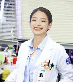 Dragon Day, Romantic Doctor, Black Pink Kpop, Jennie Kim Blackpink, Blackpink Memes, Blackpink And Bts, Fan Edits, Blackpink Lisa, Yg Entertainment