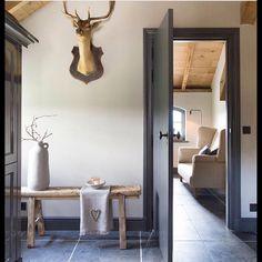 Home Decoration Living Room Interior Trim, Interior Design, Interior Paint, Loft Plan, Living Colors, Rustic Home Design, Lodge Style, Cottage Kitchens, Paint Colors For Home