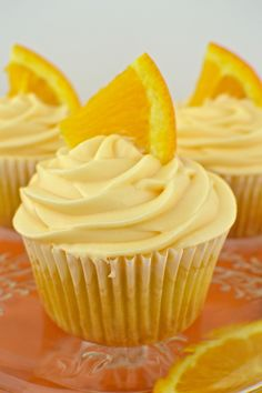 Orange Creamsicle Cupcakes   Revamperate