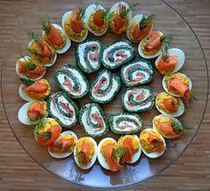 ŻYCIE OD KUCHNI: rolada szpinakowa z łososiem i jajka faszerowane łososiem Appetisers, Appetizer Recipes, Sushi, Ethnic Recipes, Impreza, Easter, Drink, Finger Food, Beverage