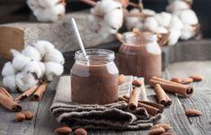 Na zahřátí: Karobovo-mandlové mléko se skořicí Stuffed Mushrooms, Dairy, Cheese, Vegetables, Food, Gourmet, Stuff Mushrooms, Essen, Vegetable Recipes