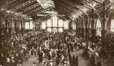 El Mercado Centrala rebosar de gente, aunque con un poquito más de magia.