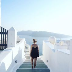 new post with a lot of santorini impressions & my new @valiagabrielsandals…