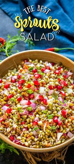 Best Salad Recipes, Indian Food Recipes, Asian Recipes, Ethnic Recipes, Indian Salads, Watermelon And Feta, Warm Salad, Chaat Masala, Sprouts Salad