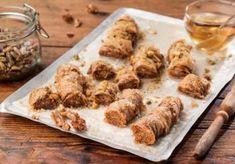 πολιτικο σαραγλί με φυστικι αιγινης Food Categories, Ratatouille, Food And Drink, Sweets, Chicken, Meat, Breakfast, Desserts, Recipes