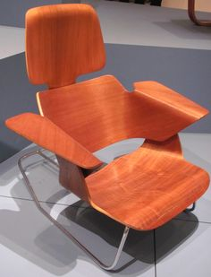 Charles and Ray Eames Experimental Lounge Chair, 1944. Molded plywood and steel rods. MOMA