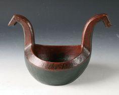 Rosemalt kjenge med drikkevers utvendig, fra Numedal. L: 29 cm. Prisantydning: ( 7000 - )
