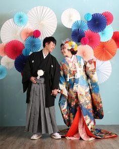 いいね!66件、コメント3件 ― おりんさん(@mrs.saori)のInstagramアカウント: 「⁑( ¨̮ ) @jadore_wedding さんの #ウェディングソムリエフォトアワード2017 私も参加させてください🙈💕 * igを始めたばかりの頃、憧れの卒花嫁様が…」 Traditional Wedding Attire, Traditional Outfits, Wedding Kimono, Wedding Dresses, Japanese Couple, Asian Party, Wedding Notes, Japanese Wedding, European Wedding