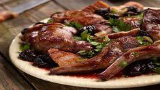 Królik w sosie śliwkowym - poznaj najlepszy przepis. ⭐ Sprawdź składniki i instrukcje na KuchniaLidla.pl! Steak, Pork, Food And Drink, Beef, Cooking, Kale Stir Fry, Meat, Kitchen, Steaks