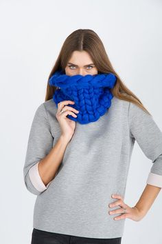 MERINNO's Super chunky scarf. Snood. Chunky scarf. Giant knit. Big yarn scarf. Merino wool. Giant knit 21 microns Bulky Gift For a girl