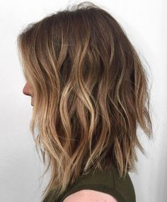 35 Balayage Hair Color Ideas for Brunettes in The French hair coloring technique: Balayage. These 35 balayage hair color ideas for brunettes in 2019 allow to achieve a more natural and modern eff. Brown Hair Balayage, Balayage Brunette, Hair Color Balayage, Caramel Balayage, Caramel Highlights, Blonde Color, Long Brunette, Brown Blonde, Long Bob Bayalage Brown