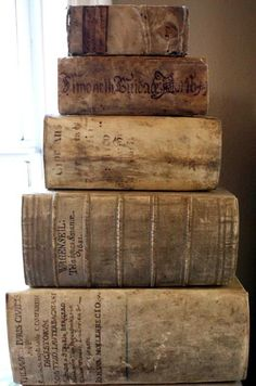 Libri antichi online - Studio bibliografico Apuleio  (https://www.facebook.com/photo.php?fbid=403901469658384=a.337412119640653.70563.129315637116970=1)