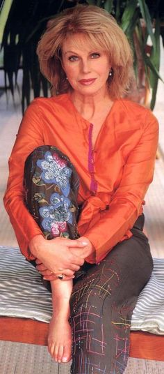 When Joanna Lumley sewed some flowers on her trousers and really wanted you to see