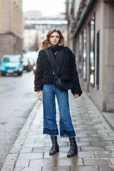 Tell me about your outfit, what you are wearing? - Im wearing a jacket from Hunkydory, jeans...