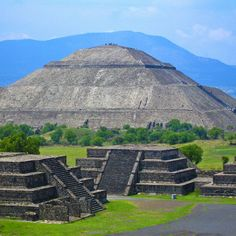 Pyramid of the Sun in Teotihuacan, Mexico - A beautiful spot to visit for all that have never been to Mexico