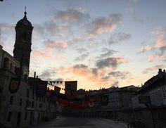 Vitoria-Gasteiz amanece medieval... ¡Buen jueves!  Nekatur Nekazalturismoa-Landaturismoa Toprural Turismo Vitoria Álava Turismo La Granja de USAMA