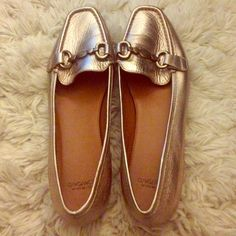 Gold flats Gold flats, in excellent condition! Like new, only worn a few times. Great for dressing up a work outfit. Slight heel. Joan & David Shoes Flats & Loafers
