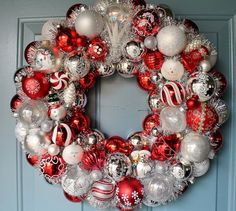 Red & white Christmas bulb wreath