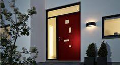 Bilderesultat for stor ytterdør House Entrance, Entrance Doors, Modern Exterior Doors, Black Doors, Front Entrances, Candle Sconces, My House, Wall Lights, Architecture