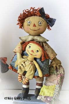 Primitive Standing Raggedy Ann Doll With Raggedy CraBBy Doll Patterns, Sewing Patterns, Making Dolls, Ann Doll, Raggedy Ann And Andy, Rag Dolls, Doll Face, Softies, Handmade Toys
