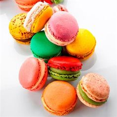 Always wanted to try making Macaroons.  They can be arty, stylish, fun and all while being tasty