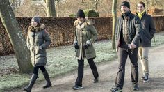 Princess Mary walked 2. Christmas Day for a walk in Fredensborg Castle Park in the company of, among others, Prince Nikolaos, Princess Tatiana and Prince Philippos. The royal party seemed to enjoy the fresh air in the midst of a tight Christmas program.