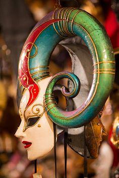 Venice mask. #masks #venetianmask #masquerade http://www.pinterest.com/TheHitman14/art-venetian-masks-%2B/
