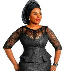 It is Fashion Double Delight! Get Gorgeous with Eye-Catching Ankara & Aso-Ebi Styles - Wedding Digest Naija African Lace Styles, African Lace Dresses, Latest African Fashion Dresses, African Dresses For Women, African Print Fashion, African Attire, African Wear, African Prints, African Women