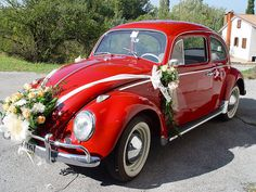 Simple and elegant wedding car