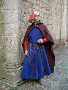 It's so rare that men have the guts to wear the full-length medieval garb.