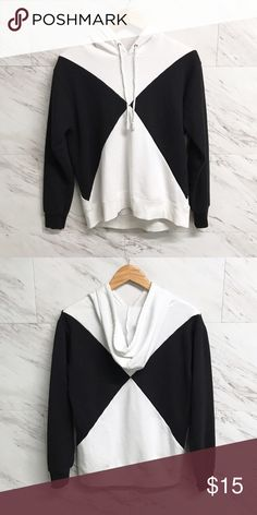 Black Diamond hoodie Doesn't this hoodie kind of look like the black Power Ranger's costume. It makes you want it even more right? Right.  •No trades •No holds •Offers & bundles can be made through the offer/bundle tools Forever 21 Tops Sweatshirts & Hoodies